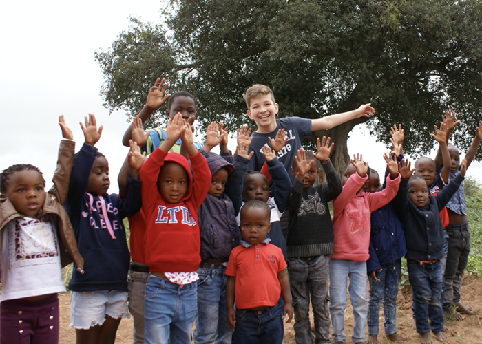 BOOST the world_foundation_BAS! RECLAME & VORMGEVING